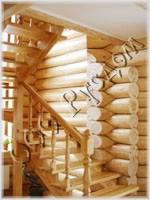 Фотография деревянной лестницы