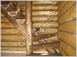 Рубленая лестница из плах. Технология декоративного старения древесины