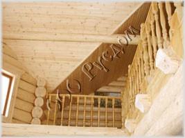 Потолок из вагонки в деревянном доме