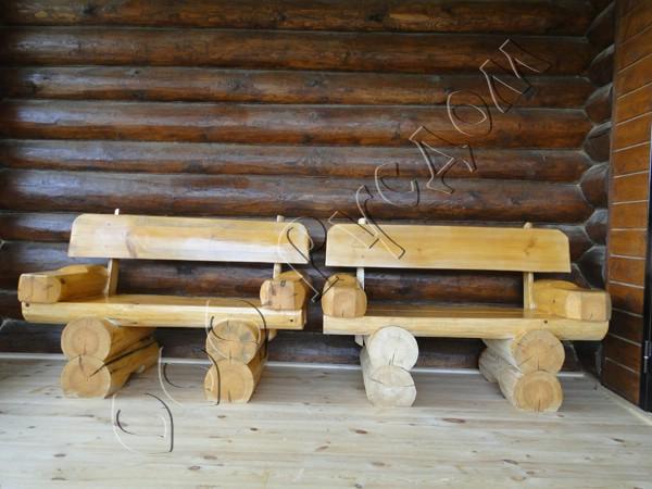 Скамейки из бревен